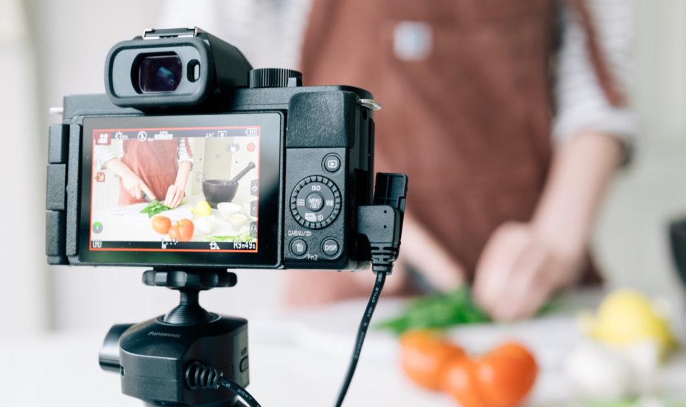 Lumix G100, les vloggers en rêvaient ! © DR