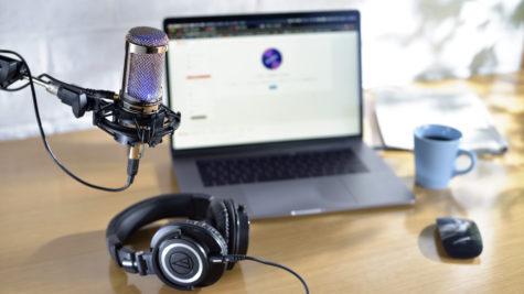 Les microphones Audio-Technica AT2020V avec finition chrome réfléchissante en édition limitée © DR