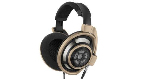 Les casques de cette édition anniversaire offrent la même acoustique naturelle et spatiale que les fameux casques HD 800 S © DR