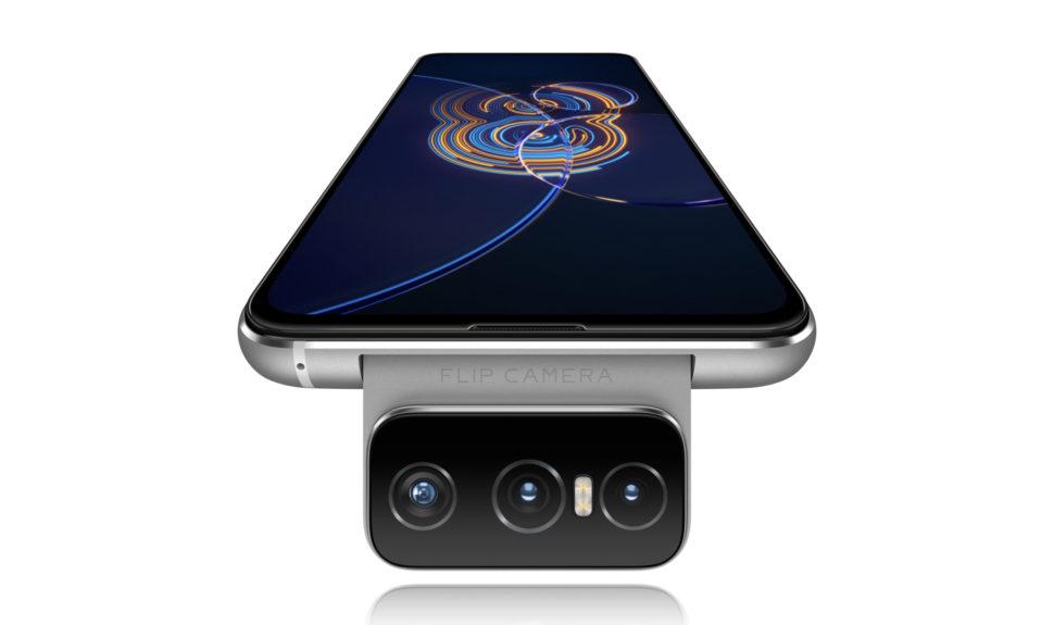 Paré pour la création avec le Zenfone 8 Flip et son système Flip caméra