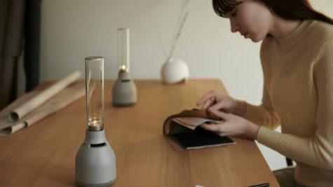 LSPX-S3 : l'enceinte lumineuse en verre sans fil au design signé Sony © DR